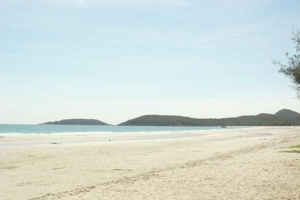 หาดน้ำใส
