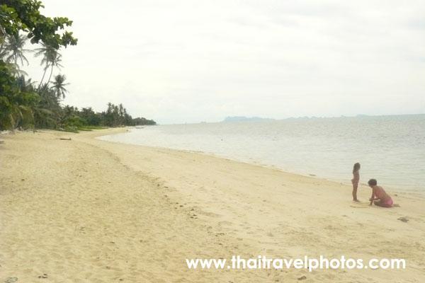 หาดบางปอ
